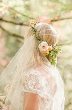 petite floral crown with a wedidng veil