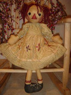 Raggedy Doll Pattern Primitive ann cloth rag by anniescupboards Primitive Patterns, Primitive Crafts, Primitive Doll, Fabric Dolls, Paper Dolls, Art Dolls, Doll Sewing Patterns, Raggedy Ann And Andy, Softies