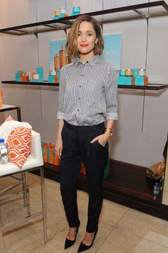 Rose Byrne's dark bob is the way forward. Bearly styled and effortless.
