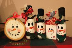 This will be the final post for 2015 before the ships blare their horns to usher in As the year draws to an end, I think I will put up. Tole Painting, Bye Bye, Snowmen, Horns, Christmas Ornaments, Holiday Decor, Drawings, Crafts, Home Decor