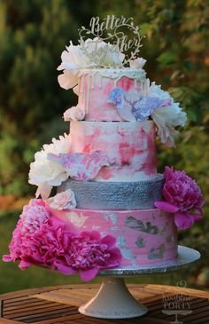 wedding cake : by Lucya  - http://cakesdecor.com/cakes/301795-wedding-cake