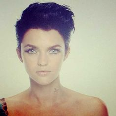 Celebrity Short Haircuts-5