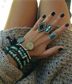 Turquoise antique inspired silver // vintage boho crochet knit // hippie chic style rings black bohemian leather and nails Hippie Chic, Hippie Style, Estilo Hippie, Gypsy Style, Boho Chic, Boho Style, Modern Hippie, Hippie Fashion, Boho Gypsy