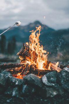 Lass uns Lagerfeuerlieder üben um uns jetzt schon an der Zukunft zu vergnügen