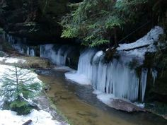 Brtnické ledopády - trasu by prý měly zvládnout i děti...  a nebo zkusíme naši oblíbenou Bílou Opavu v Jeseníkách v zimě...