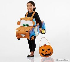 Disney and Pixar Cars Tow Mater Costume Diy Home Crafts, Decor Crafts, Disney Halloween, Halloween Costumes, Homemade House Decorations, Tow Mater, Cars Characters, Festival Decorations, Autumn Decorations