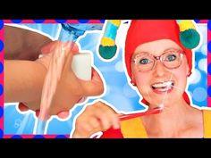 Spadli z jahody - Umývať sa len raz za rok - Pesničky pre deti - YouTube