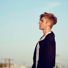 Justin Bieber  2016  http://news.trestons.com/2016/01/18/hailey-and-justin-no-torque/468/justin-bieber-2016-zx