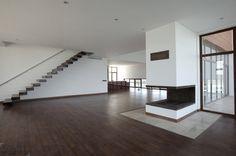 Шикарная белая вилла по проекту архитектурной компании Karand Group-6