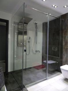 sklenený sprchovací kút s posuvnými dverami Bathtub, Bathroom, Standing Bath, Washroom, Bathtubs, Bath Tube, Full Bath, Bath, Bathrooms
