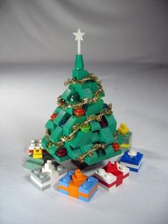Christmas tree: A LEGO® creation by Sean Kenney : MOCpages.com