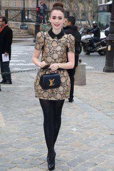 Lily Cole, con un Knit Knot y un vestido de inspiración doll en Louis Vuitton.