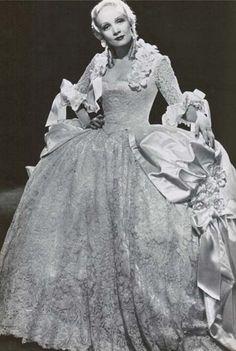 """Marlene Dietrich - """"Scarlet Empress"""" (1934) - Costume designer : Travis Banton"""