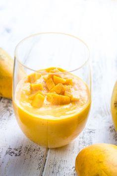 Healthy Mango And Greek Yogurt Smoothie http://www.changeinseconds.com/healthy-mango-and-greek-yogurt-smoothie/