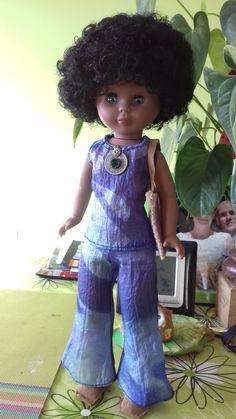 Por mi interés por el mundo de Nancy y después de recuperar las mías de mi infancia empecé a descubrir otras muñecas, las otras Nancys o...