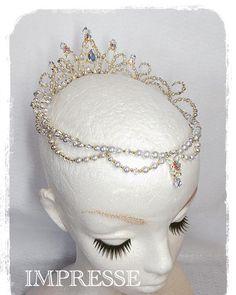 いいね!91件、コメント1件 ― Tomoko Tonookaさん(@impresse_ballet_tiara)のInstagramアカウント: 「シルバーパールとゴールドを合わせたサークル型のティアラです✨👑✨ 人気のモデルです😍💕 #ballet #ballerina #ballettiara #tiara #princesstiara…」
