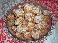 Nagyon finom! Régi falusi lakodalmak sütije. A ropogós sült diós tészta a rumos, vaníliás diós krémmel isteni ízharmóniát eredmé...