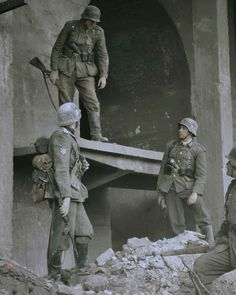 German Soldiers Ww2, German Army, Army History, German Uniforms, War Image, War Photography, Armed Forces, Historical Photos, World War Ii