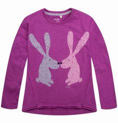 """Bluzka dla dziewczynki. Kolekcja: """"Z głową w chmurach"""" Graphic Sweatshirt, Sweatshirts, Girls, Sweaters, Fashion, Simple Lines, Toddler Girls, Moda, Daughters"""