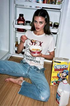 Our iconic Breakfast Of Champs Tee Online now Photography Ideas At Home, Girl Photography, Creative Photography, Fashion Photography, Indoor Photography, Outdoor Portrait Photography, Creative Photoshoot Ideas, Photoshoot Inspiration, Aesthetic Photo