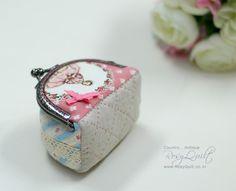 Creating a frame coin purse