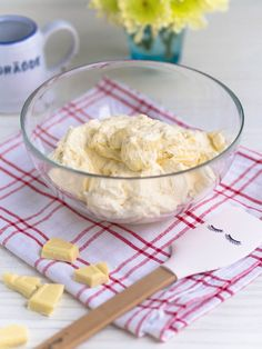 Rich White Chocolate Cream (Filling and Frosting) Annin Oven Baking Recipes, Cake Recipes, Chocolate Cream, Piece Of Cakes, Trifle, How To Make Cake, Sweet Recipes, Icing, Cake Decorating