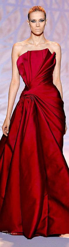Weddbook is a content discovery engine mostly specialized on wedding concept. You can collect images, videos or articles you discovered  organize them, add your own ideas to your collections and share with other people | Zuhair Murad Haute Couture Fall 2014 #burgundy #ruby
