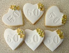Mini Anniversary cookies Mini Anniversary cookies are a sweet addition to your celebration. 50th Anniversary Cookies, Mom Dad Anniversary, 50th Wedding Anniversary Cakes, Silver Anniversary, Anniversary Parties, Anniversary Ideas, Cupcakes Decorados, Wedding Book, Wedding Pews