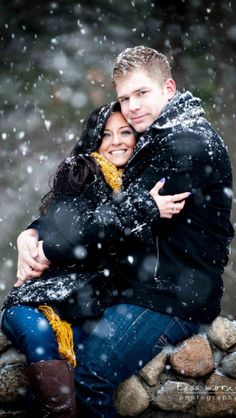 Engagement shoot on a snowy day. Perfect, but I want to get married on a snowy day, and get snowy pictures in my dress.