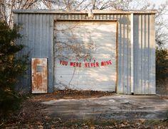 Frases de ruptura convertidas en llamativas guirnaldas decorativas (Yosfot blog)