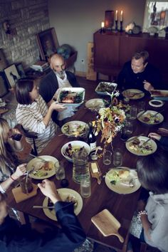 A fall dinner with friends | photo by laura d'art via remodelista.