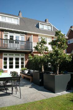1000 images about biesot plantenbakken en potten on pinterest bakken met and pots - Zink oude keramiek ...
