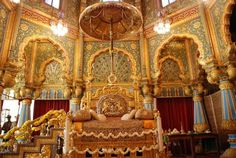 Mysore Palace Golden Throne, 900 pounds solid gold, as I recall. King On Throne, Throne Room, India Architecture, Ancient Architecture, Architecture Details, Indian Interior Design, Mysore Palace, Palace Interior, Indian Interiors