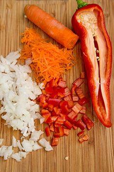 CIUPERCI UMPLUTE DE POST LA CUPTOR | Diva in bucatarie Carrots, Vegetables, Food, Blue Prints, Essen, Carrot, Vegetable Recipes, Meals, Yemek