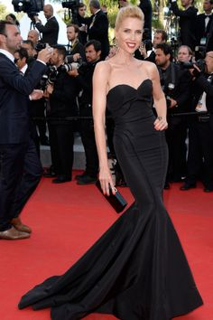 Judit Mascó espectacular con vestido negro en corte sirena http://wp.me/p3i7Nr-3kD  Judit Mascó speechless with this mermaid tail black dress http://wp.me/p3i7Nr-3kD