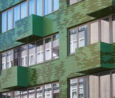 Kleur, vorm, afmeting of structuur: Wienerberger maakt alle glazuurbakstenen op maat. (Tom Van Mieghem architecten, Oostende)