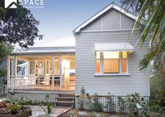 Weatherboard Exterior, Exterior Paint Colors, Paint Colours, Queenslander House, Coastal Country, Home Reno, Beach Cottages, House Colors, Home And Garden