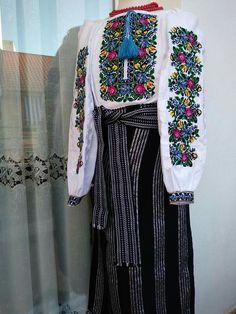 Kimono Top, Embroidery, Tops, Women, Fashion, Moda, Needlepoint, Fashion Styles, Fashion Illustrations