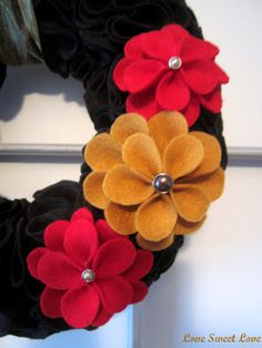Felt flower tutorial - Really pretty felt wreath