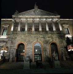 """""""La Biblioteca Nacional de España cabe en el móvil"""": (En mi próxima visita, ¡no respondo! :) ) http://www.larazon.es/detalle_normal/noticias/6993917/la-biblioteca-nacional-cabe-en-el-movil… pic.twitter.com/b4bor6iHah"""