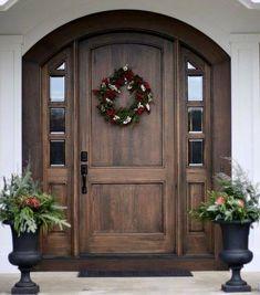 41 Beautiful Farmhouse Front Door Entrance Decor and Design Ideas Exterior Front Doors, Farmhouse Front, Entrance Decor, Front Door Design, House Front, Front Door, Front Door Entrance, House Doors, Exterior Doors