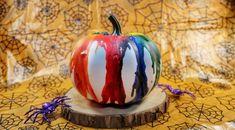 Crayon Pumpkin Pumpkin Decorating, Decorating Tips, Sweater Pumpkins, Metallic Spray Paint, Jar Art, Glitter Top, Least Favorite, Melting Crayons, Pretty Good