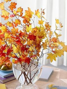 Lovely Diy Fall Centerpiece Ideas For Your Home Decor 23 Decoration Christmas, Thanksgiving Decorations, Seasonal Decor, Thanksgiving Table, Autumn Decorations, Thanksgiving Flowers, Aisle Decorations, House Decorations, Christmas Lights