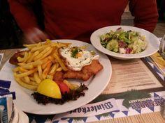 Hamburger Schnitzel im Löwenbräu am Gendarmenmarkt in Berlin. Lust Restaurants zu testen und Bewirtungskosten zurück erstatten lassen? https://www.testando.de/so-funktionierts