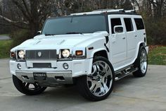 An Amazing Hummer H-2 just what I want.