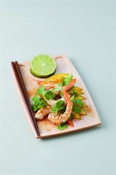 Salade de mangues et avocats aux crevettes - Larousse Cuisine