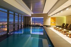 The Heavenly Spa on the 19th floor of The Westin in Cape Town's city centre is everything you want in an urban spa – sleek, glamorous and contemporary.