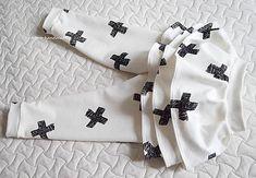 `X-ove` sukno/leginy / - SAShE. Gloves, Handmade, Fashion, Moda, Hand Made, Fashion Styles, Fashion Illustrations, Handarbeit