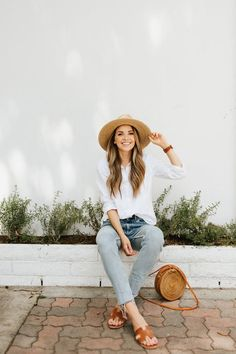 Simple weekend outfits that still look chic Summer Fashion Outfits, Spring Outfits, Boho Fashion, Womens Fashion, Fashion Trends, Autumn Fashion, Fashion Tips, Zapatos Animal Print, Minimalist Fashion Summer