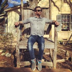 They say everything is bigger in Texas, and in the case of this chair, I just must agree. It looks like a giant king sits in it, so I did my best to look royal. But in the immortal words of Lorde, we'll never be royals, it don't run in our blood.  #tylerknott  (at Bear Moon Bakery)